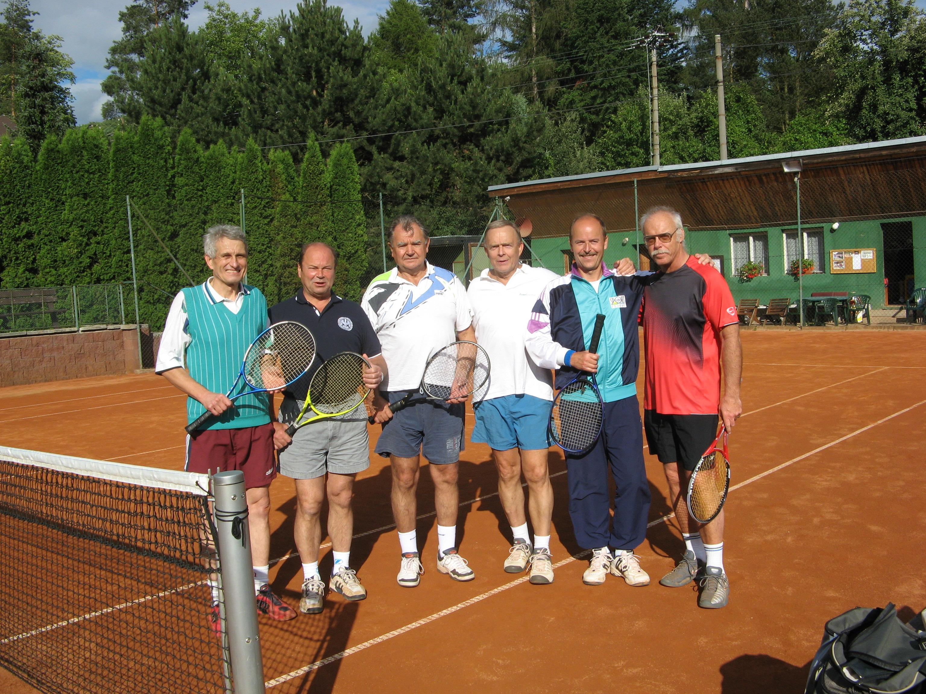 Účastníci měchenické profesorské tenisové čtyřhry 2007
